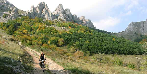 Two big formations – Flat Crimea and Crimean Mountain with Southern coast line are divided into a row of regions because of difficult relief and big irregularity of coast. Each of them is interesting for MTB tourist in its own way, excluding only central part of Crimea.