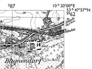 Reduced fragment of topographic map de--mb--025k--22_027-ams--(1955)--N053-48_E010-10--N053-42_E010-20; towns and cities Bargteheide