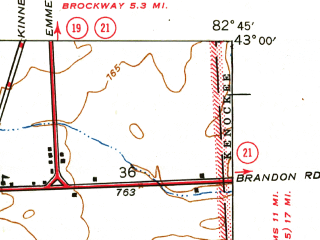 Reduced fragment of topographic map en--usgs--024k--028761--(1944)--N043-00-00_W082-52-30--N042-52-30_W082-45-00; towns and cities Emmett, Memphis