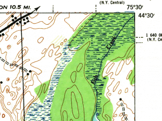 Reduced fragment of topographic map en--usgs--063k--055026--(1944)--N044-30_W075-45--N044-15_W075-30; towns and cities Hammond
