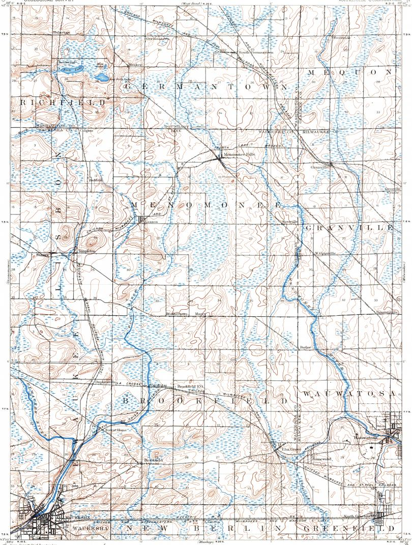 Download topographic map in area of Waukesha West Allis Wauwatosa
